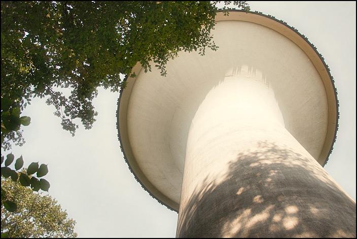 Det nya vattentornet från undersidan