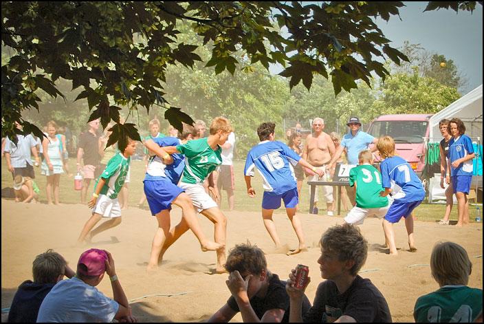 Beachhandboll i solen