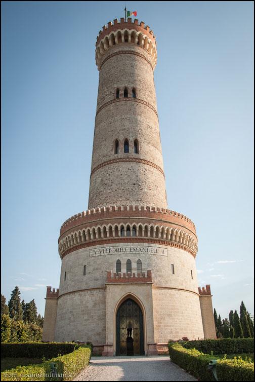 Framsidan av Torre di San Martino