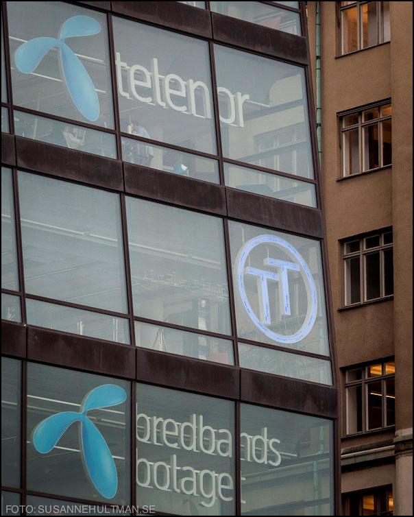 Telenor och Bredbandsbolaget på fönster