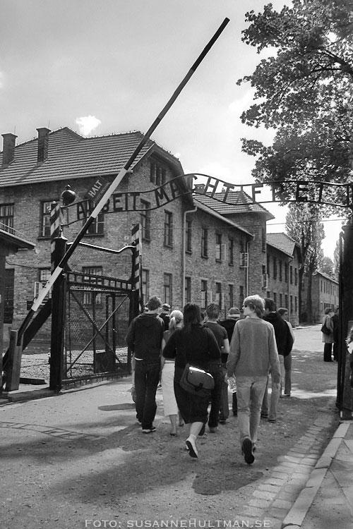 Arbeit macht frei vid ingången till Auschwitz