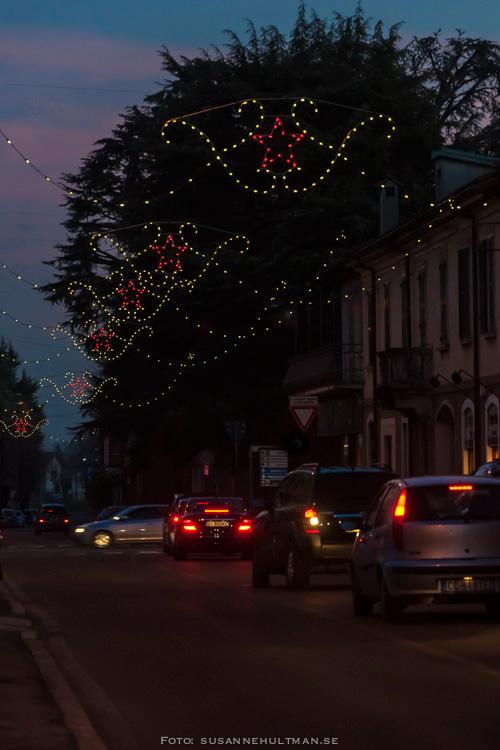 Stjärnor över gata i Albiate
