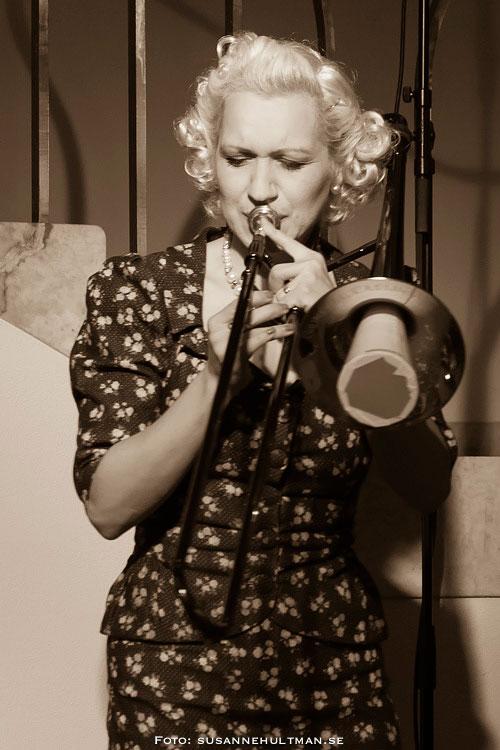Gunhild Carling med trombon