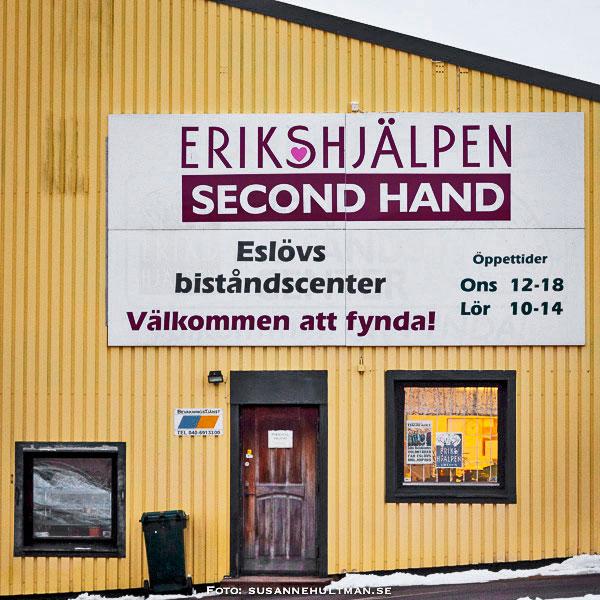 Fönster hos Eslövs Biståndscenter