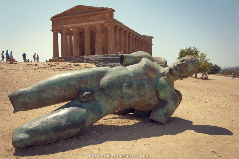 Ikaros nedanför Concordias tempel
