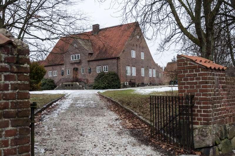 Uppfarten mot Villa Skansen