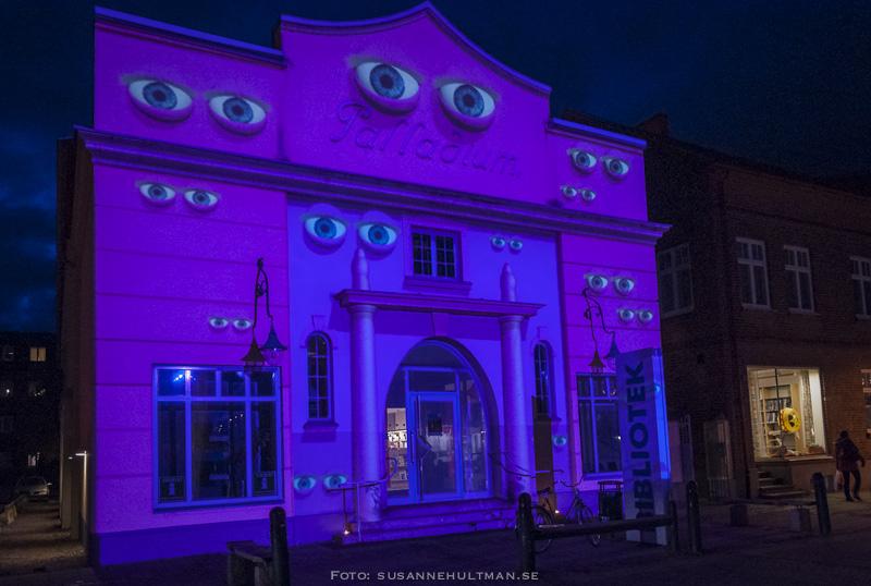 Ljusspel med ögon på Palladium
