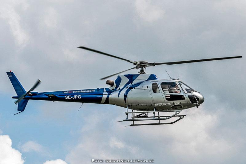 HeliAirs helikopter i luften