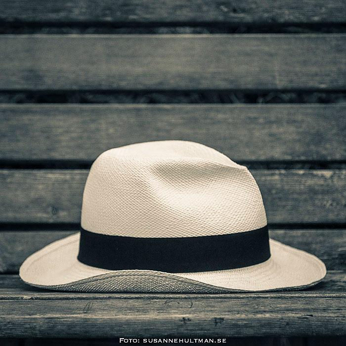 Hatt på bänk