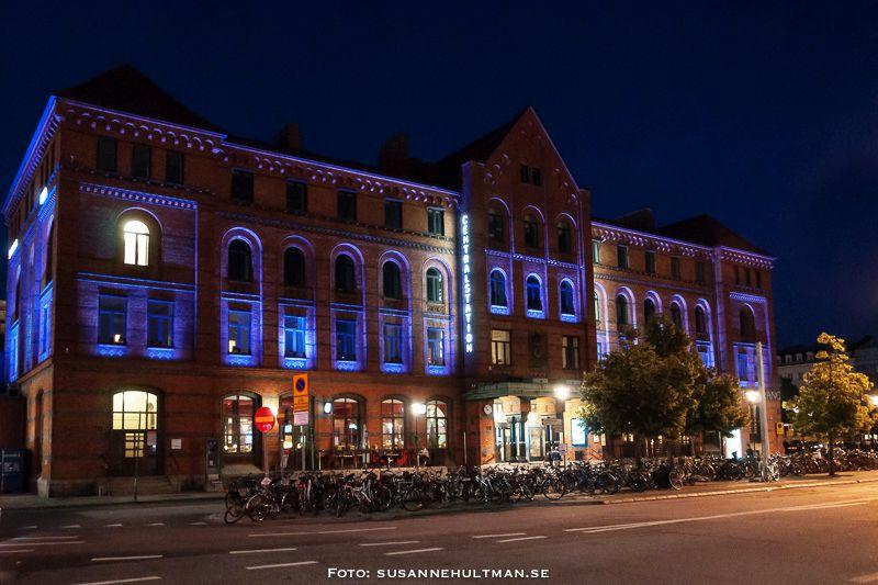 Malmö Centralstation i kvällsljus