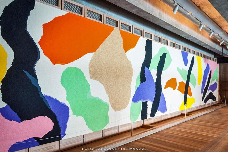 En brokig väggmålning