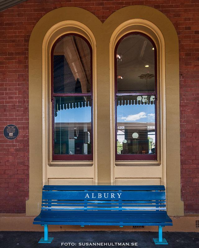 Bänk på stationen i Albury