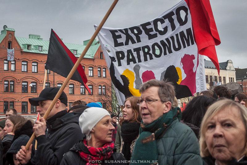"Banderoll med texten ""Expecto patronum"""