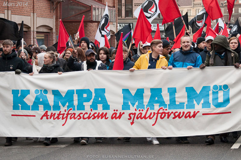 """Demonstrationsbanderoll med texten """"Kämpa Malmö""""."""