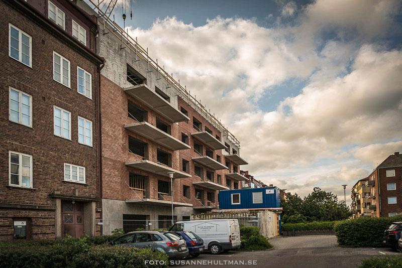 Den nya byggnaden mot Kanalgatan