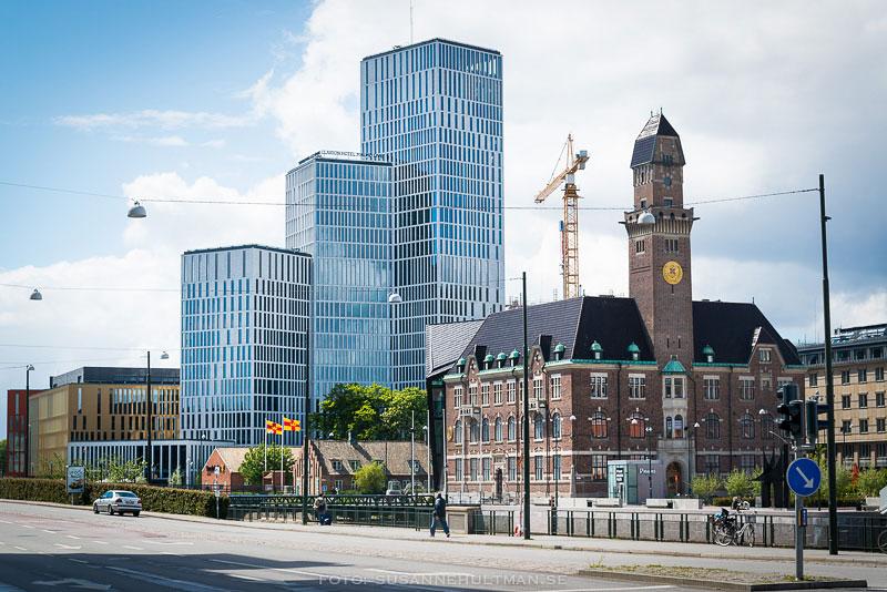 Malmö Lives byggnader, lyftkran och en del av Malmö högskola