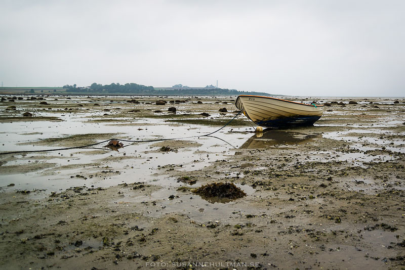 En båt på land