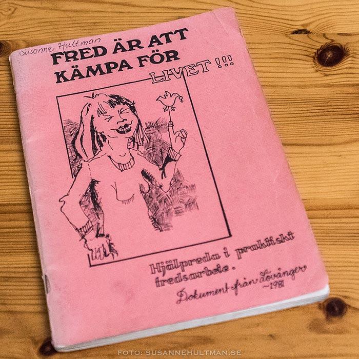 En rosa skrift om fredsseminariet i Lövånger