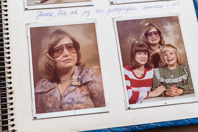 Två foton föreställande mig ensam och oss tre systrar.