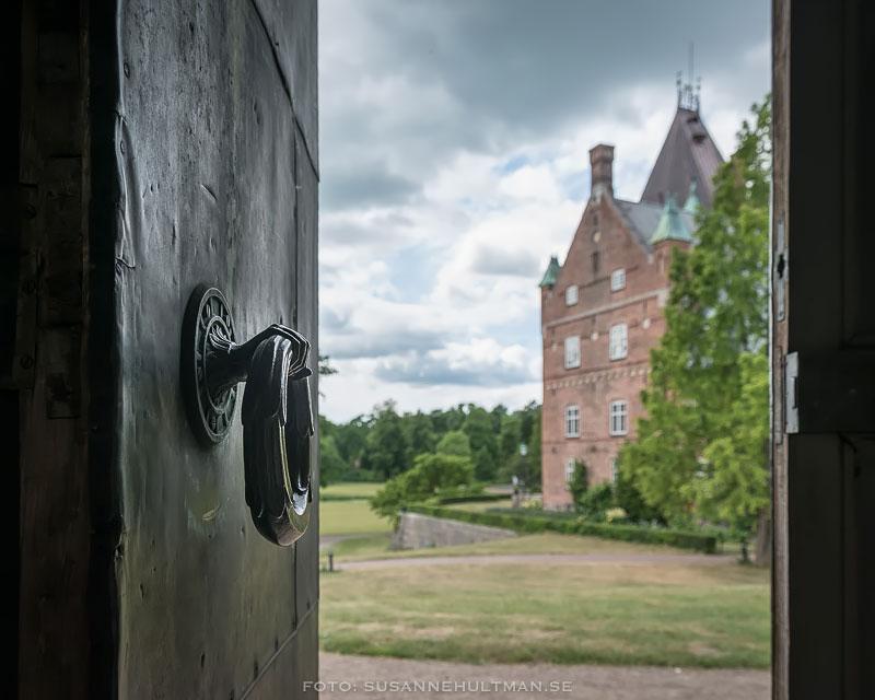 Dörröppning och Trollenäs slott