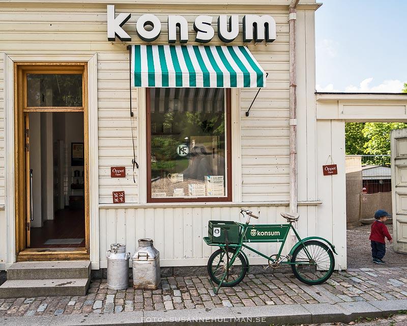 Grön cykel vid Konsum