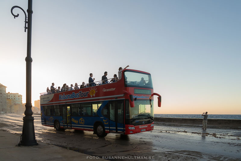 Tvåvånings turistbuss