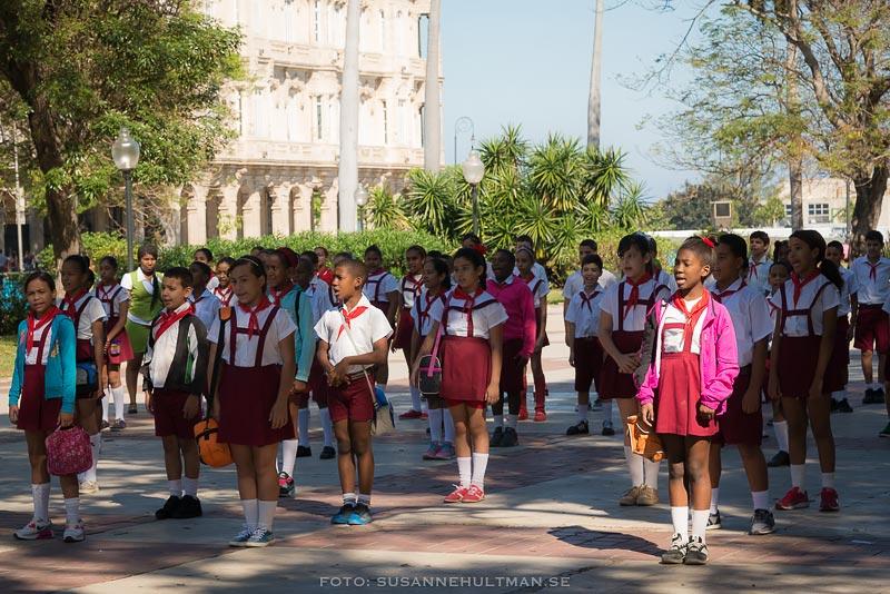 Uniformerade skolelever
