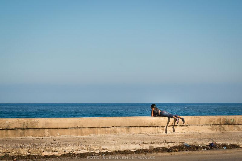 Kvinna vid Malecón