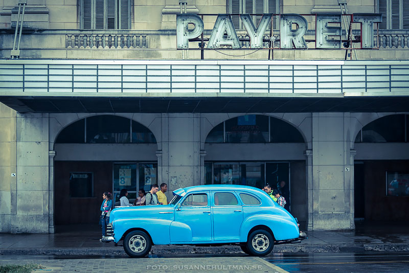 Blå bil vid Payret