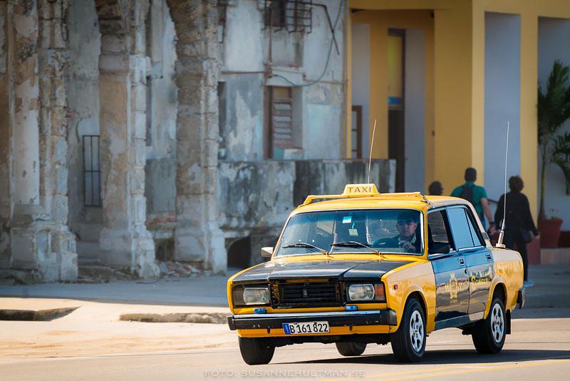 Gul gammal taxi