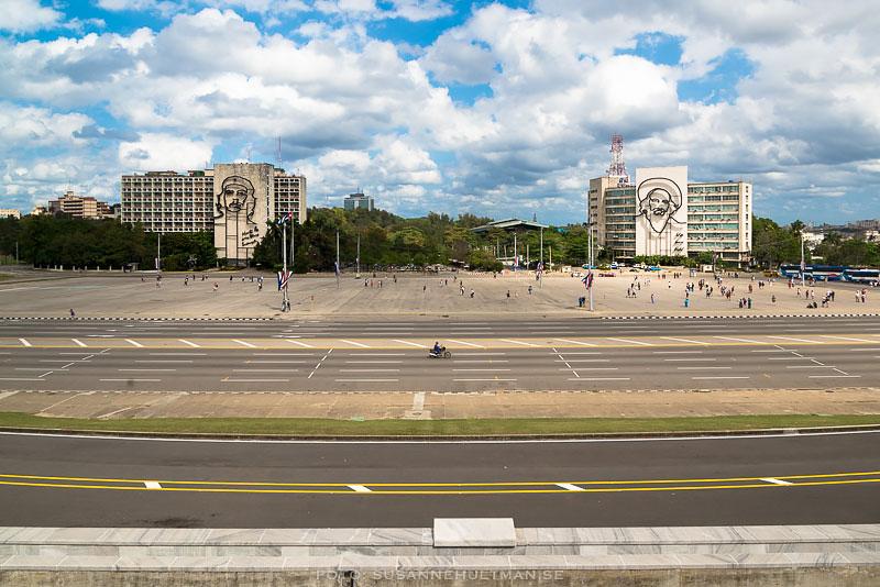 Utsikt ner mot revolutionsplatsen