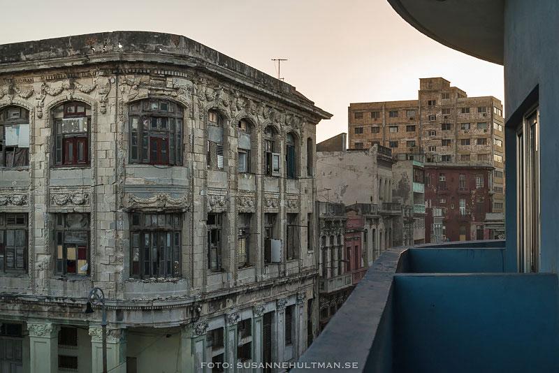 Balkongen utanför mitt hotellrum