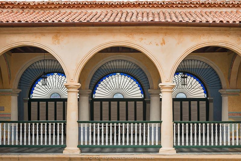 Tre halvcirkelformade fönster