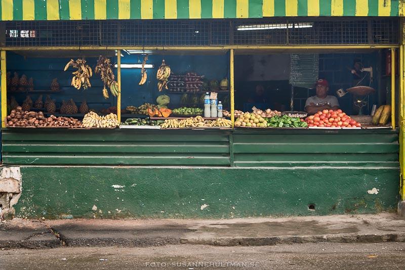 Frukt- och grönsaksstånd