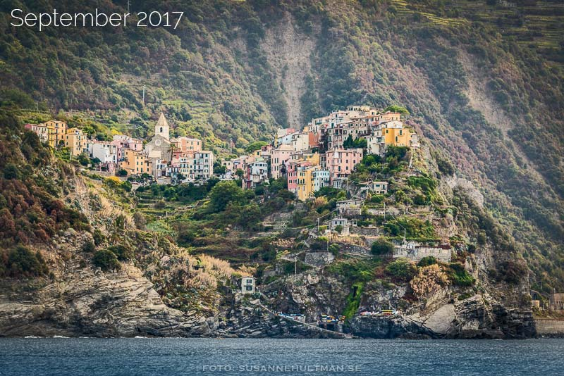 Byn Corniglia från havet