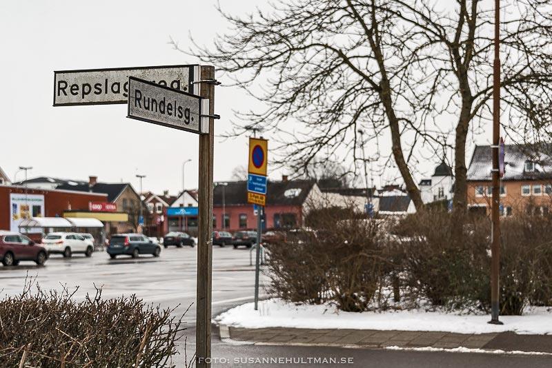 Gatuskyltar med Rundelsgatan och Repslagaregatan