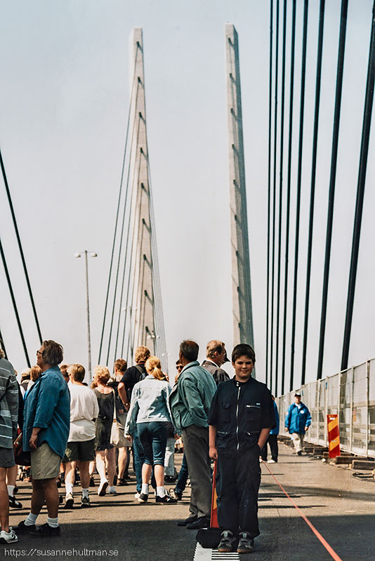 Promenerande människor på Öresundsbron