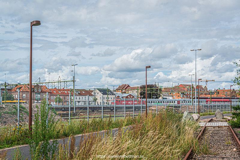 Gammalt järnvägsspår och cykelbana